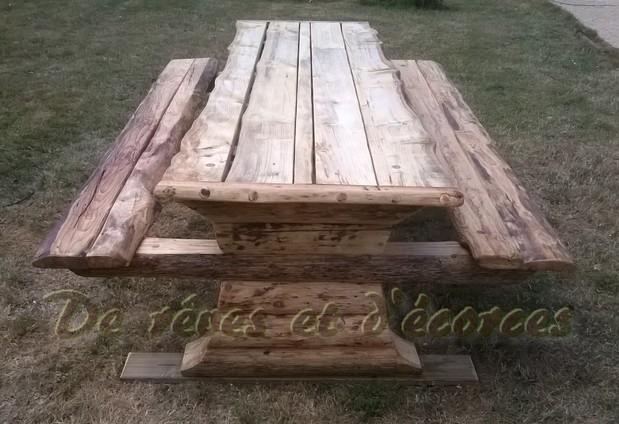 Mobilier et décoration atypique en bois pour le jardin et l\'interieur